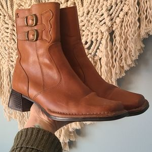 Vintage brown leather square toe boots